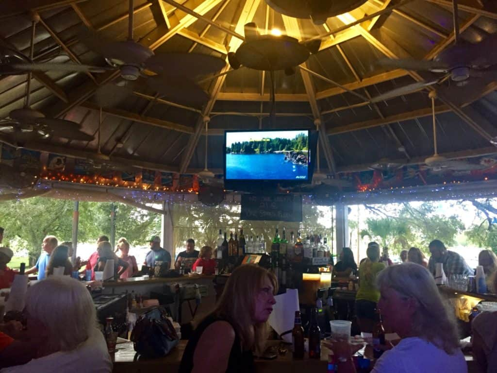 boardwalk billy's restaurant bar patio